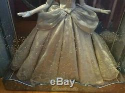 DISNEY 17 SAKS FIFTH AVENUE EXCLUSIVE DOLL CINDERELLA limited Edition IN HAND