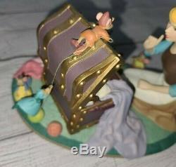 Disney CINDERELLA Mice Sewing Pink Dress Musicbox Musical Figure Figurine RARE