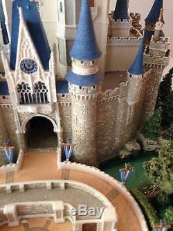 Disney Parks Main Street Figure Cinderella Castle by Olszewski New with Box