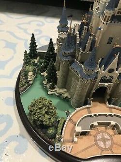 Disney Parks Main Street USA Collection Olszewski Cinderella Castle Figure New