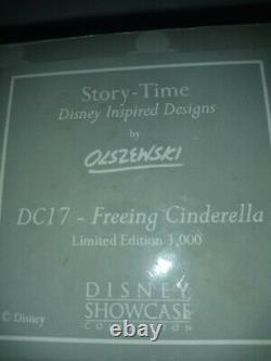 OLSZEWSKI DISNEY JAQ & GUS titled Freeing Cinderella miniature of WDCC