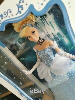 Poupée Doll 17 Cendrillon Cinderella Disney Limited Edition Limitee